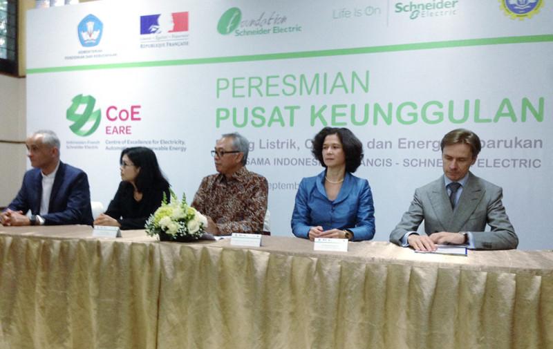 Gandeng Pemerintah Indonesia dan Perancis, Schneider Luncurkan Pusat Keunggulan