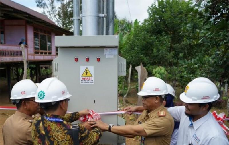 Komitmen Pemerintah, PLN Terangi Desa Sulselrabar