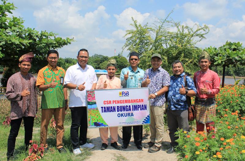 Menjelajahi Taman Bunga Impian Okura CSR PJB