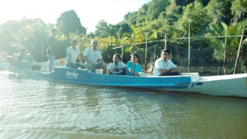 Perahu Listrik di Maros Menarik Minat Wisatawan