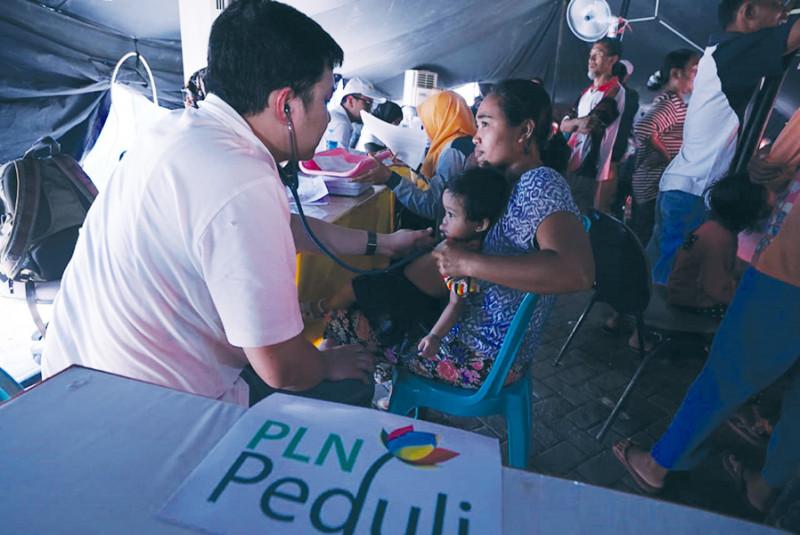 PLN Peduli Lombok: Gandeng RSCM Gelar Bakti Sosial