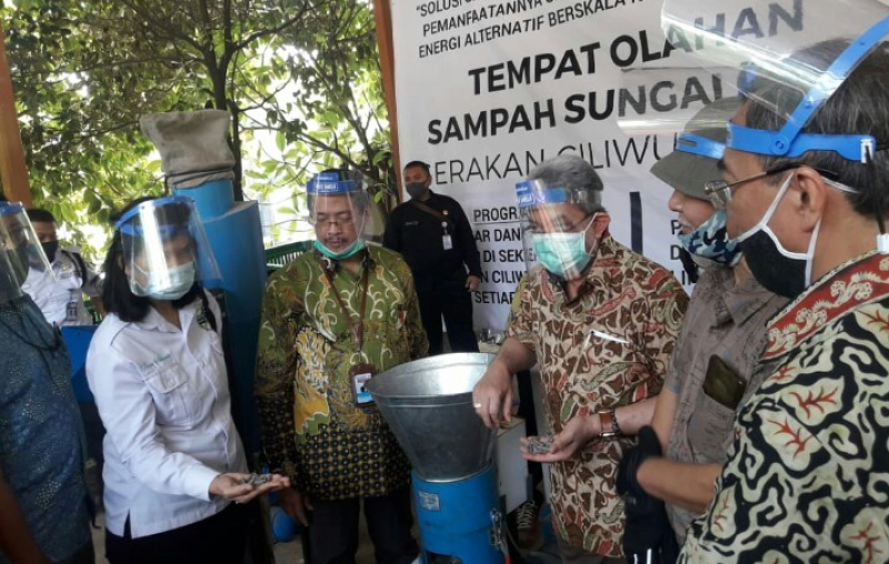 Program TOSS Indonesia Power Dukung Gerakan Ciliwung Bersih
