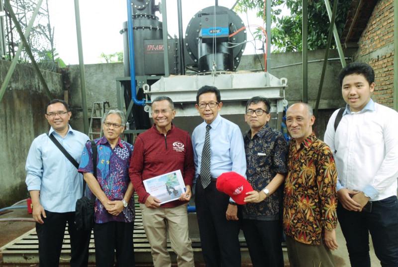 Sambangi Pembuatan Mesin Konversi Sampah, Dahlan Iskan: Ini Solusi Sampah Indonesia