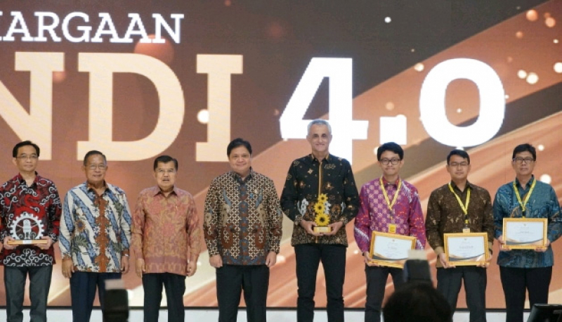"Schneider Raih Penghargaan Sebagai ""A National Lighthouse for Indonesia"""