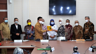 Photo of DEN dan DPR-RI Kunjungi DPRD Sulawesi Selatan, Dorong Penyelesaian RUED