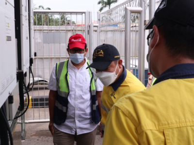 Photo of Kepala Dinas ESDM Jawa Barat Pantau PLTS di Pabrik Coca-cola