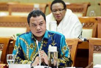 Photo of Komisi VI Minta Pertamina Perkuat Industri Petrokimia Nasional