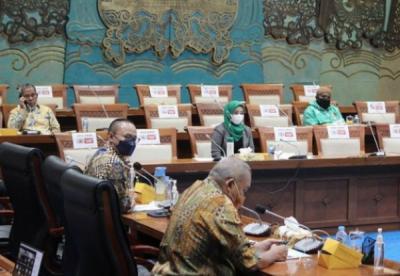 Photo of Komisi VII Tanyakan Kelanjutan Proyek Transmisi Gas Cirebon-Semarang ke BPH Migas
