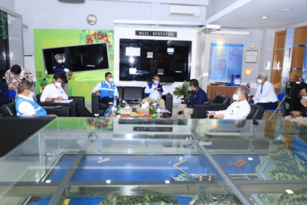 Photo of Kunjungi PLTU Suralaya, Menteri ESDM Pastikan Keandalan Pasokan Listrik Jelang Tahun Baru