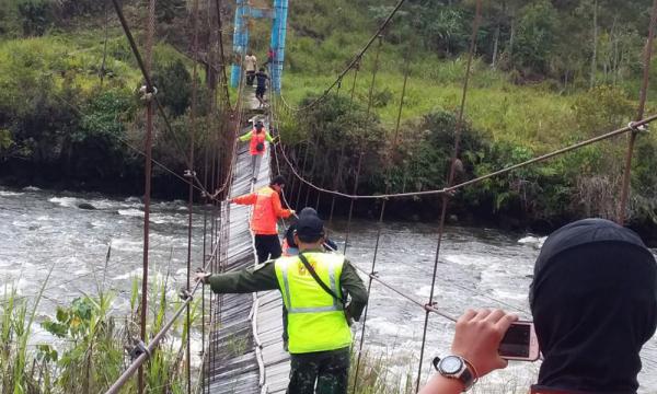 Catatan Ekspedisi PLN Hadirkan Terang di Papua