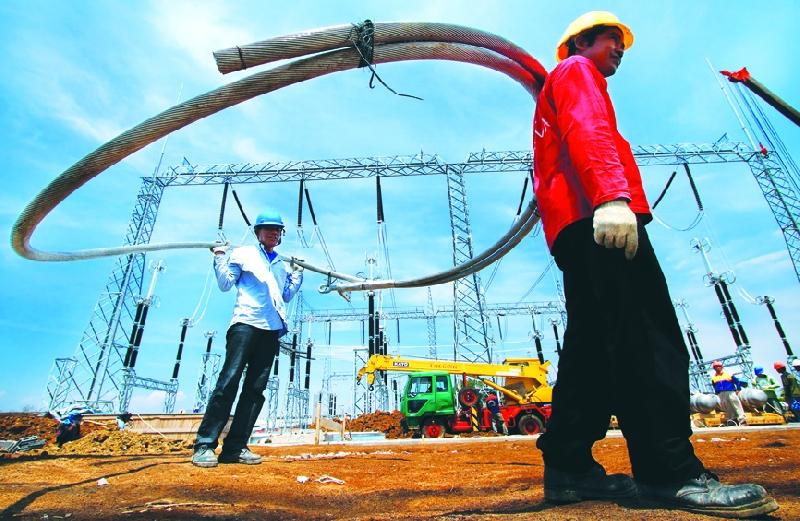 Cegah Defisit, PLN Selesaikan Jaringan Transmisi di Kalimantan