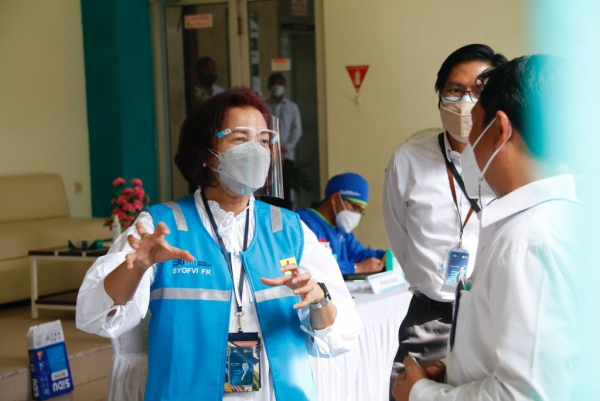 Direktur Manajemen SDM PLN Syofvi Felienty Roekman Pastikan Kesehatan Petugas PLN PON XX Papua