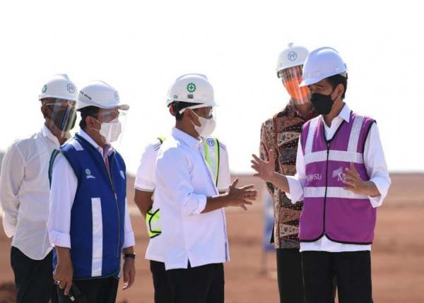 Direktur Utama PTPP Dampingi Presiden Joko Widodo ke KIT Batang