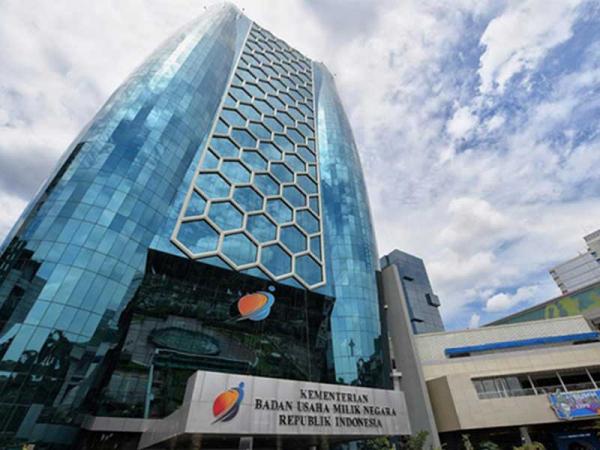 Erick Thohir Usul Pasang Surya Atap di Kantor Kementerian BUMN