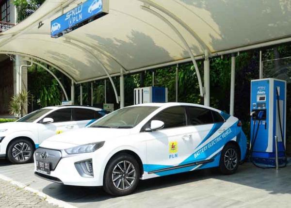 Hingga Akhir 2021, PLN UID Jakarta Akan Tambah 11 Unit Pengisian Daya Kendaraan Listrik