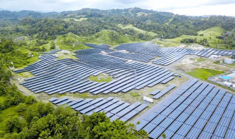 Ini Dia, Ladang Panel Surya Terbesar di Indonesia