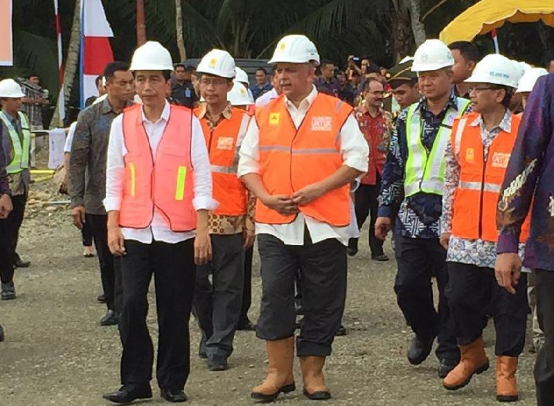 Jokowi Lakukan Peletakan Batu Pertama SUTT 70 kV di Nias