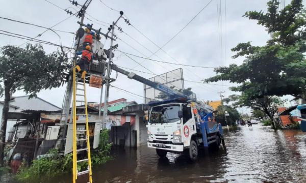 Listrik Kalsel Pulih Pasca Banjir, Pemprov Apresiasi Kerja Keras dan Gerak Cepat PLN