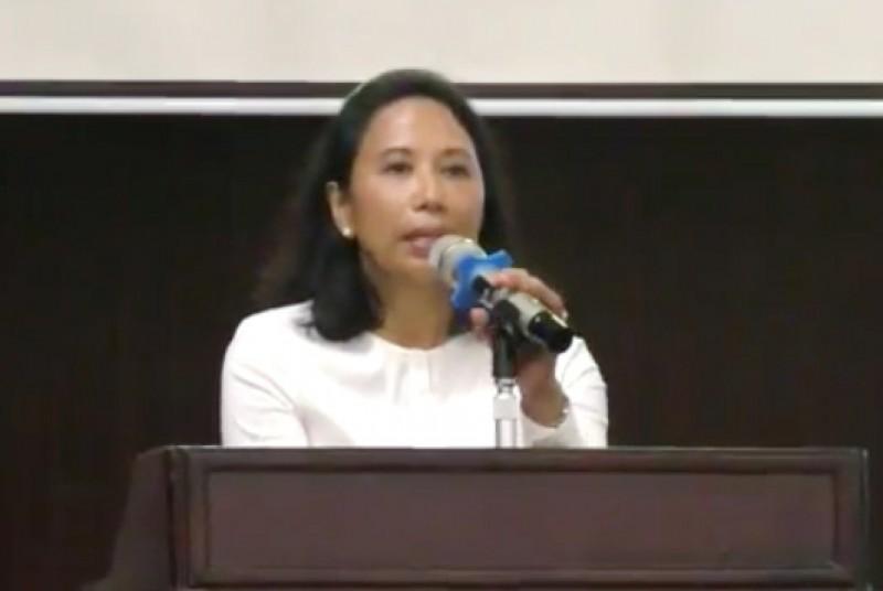 Menteri Rini Dorong Harmonisasi BUMN dan Swasta