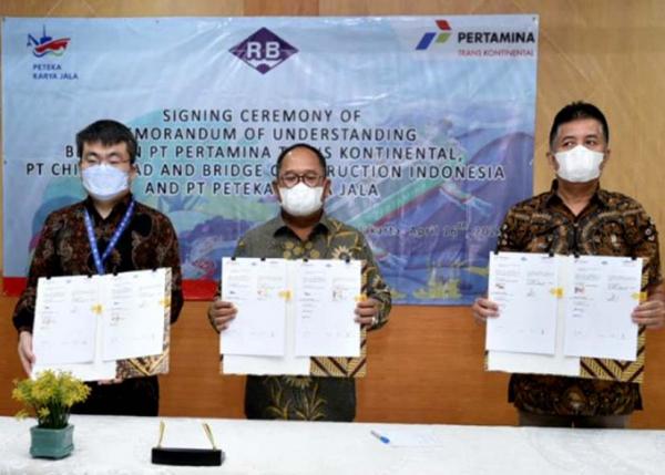 Pertamina Trans Kontinental Kembangkan Bisnis Bersama China Road and Bridge Construction Indonesia