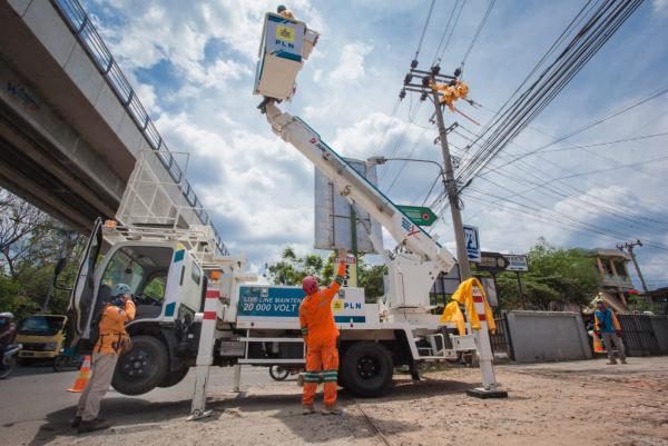 PLN Alirkan Listrik Tegangan Menengah untuk Pabrik Sawit dan Rumah Sakit di Bengkulu