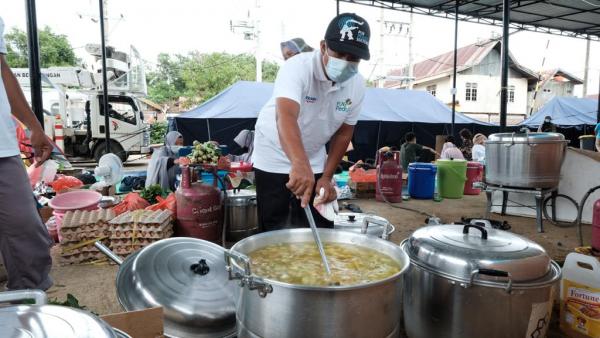 PLN Peduli Buka Dapur Umum Bantu Penanganan Gempa di Sulbar