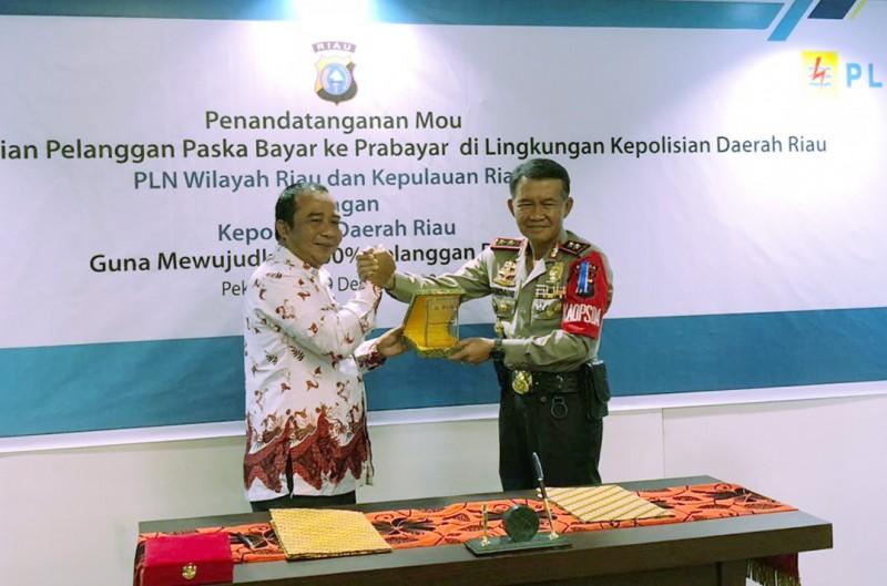 Polda Riau Dukung Terwujudnya 100% Program Prabayar PLN di Riau