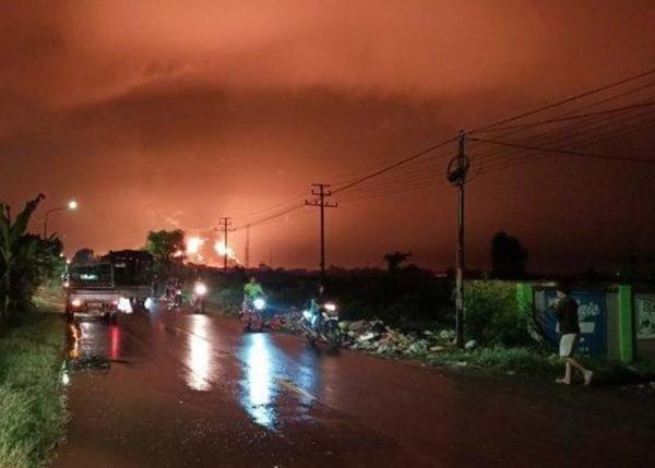 Sambaran Petir Diduga Penyebab Kebakaran Kilang Minyak Pertamina di Balongan