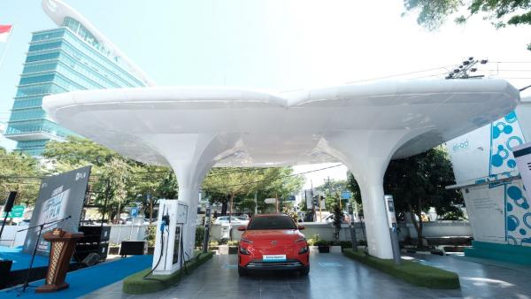 Sambut Insentif PPnBM, PLN Siapkan Infrastruktur hingga Diskon Tarif Isi Daya Mobil Listrik