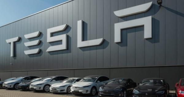 Tesla Bakal Bangun Power Bank Raksasa di Indonesia