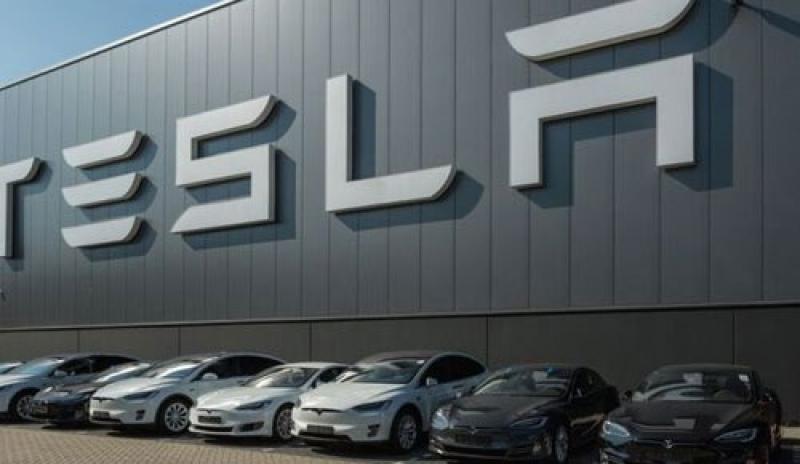 Tesla Lirik Sektor Baterai untuk Mobil Listrik di Indonesia