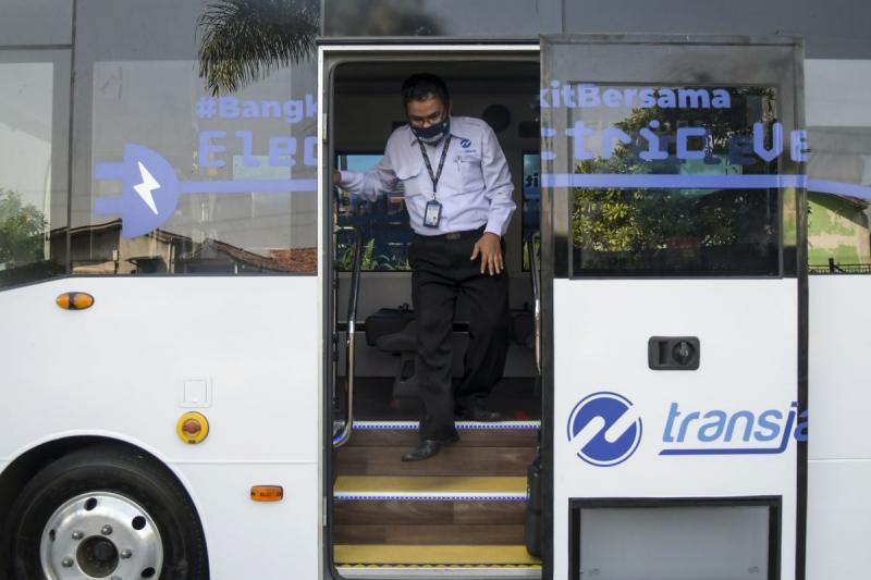 Tiga Bulan Diujicobakan, Transjakarta Hentikan Operasional Bus Listrik