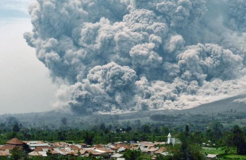 Waspada, Gunung Sinabung Meletus Dahsyat