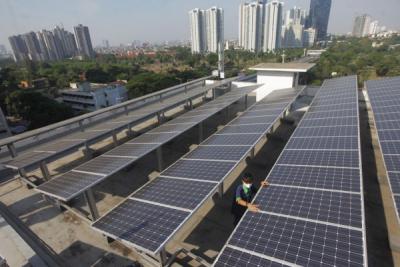 Photo of Pabrik Coca-Cola Dukung Penggunaan PLTS Atap
