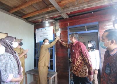 Photo of PLN Kucurkan Rp 38 Miliar, Terangi 11 Desa Terpencil di Kepulauan Riau
