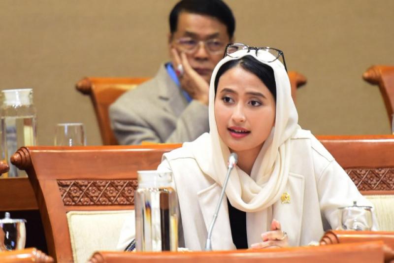Photo of Politisi Cantik Ini Dorong Penggunaan EBT Untuk Penuhi Kebutuhan Energi