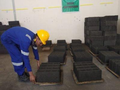 Photo of Ramah Lingkungan, Manfaatkan Limbah PLTU Jadi Batako