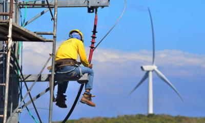 Photo of Tiga Soal Penting Prospek Energi Baru Terbarukan Indonesia